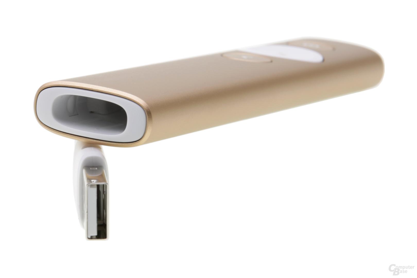 Der Bluetooth-Dongle findet Platz im Spotlight