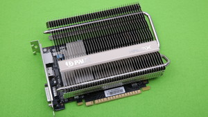 GeForce GTX 1050 Ti KalmX im Test: Palits passiv gekühlte Grafikkarte ist die schnellste