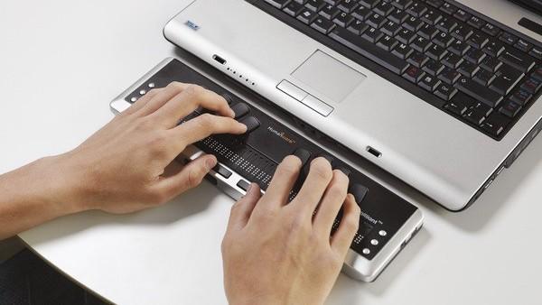 Windows 10 Build 15025: Vorschau auf das Creators Update liest Braille