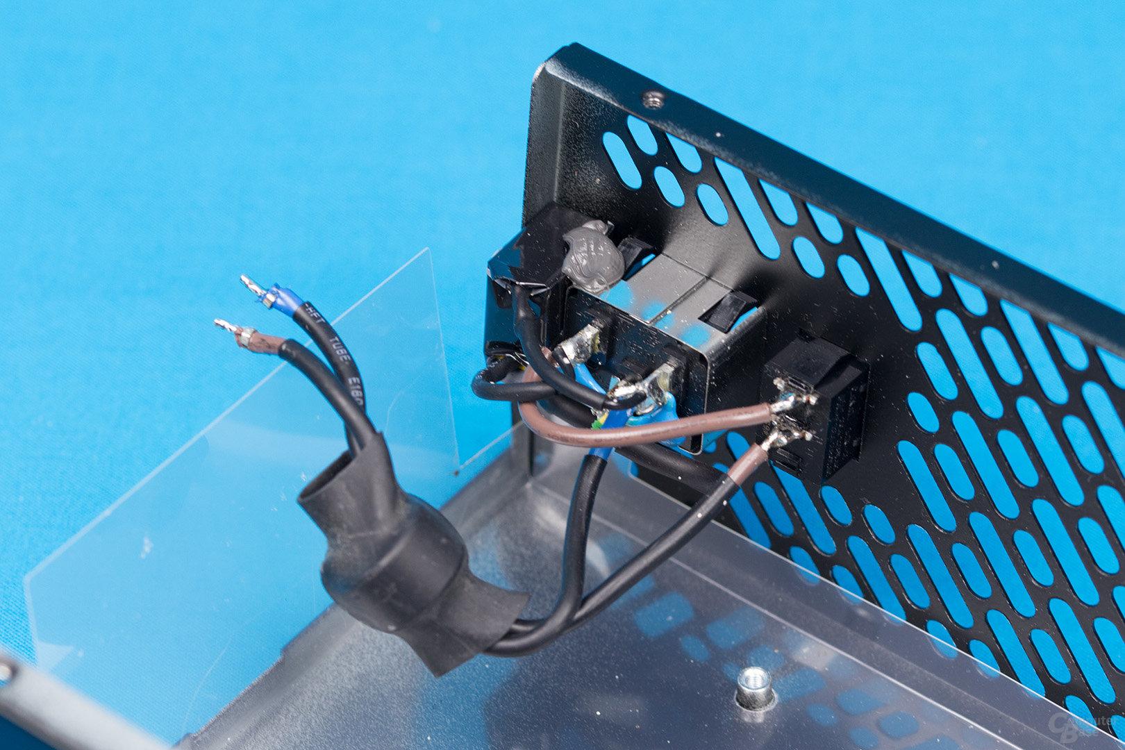 FSP Hydro X 550W – Kaltgerätebuchse