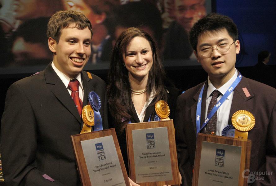 ISEF2004 - Die drei Gewinner: Uwe Treske, Grafenhainichen, Deutschland; Sarah Rose Langberg, Fort Myers, Florida; und Yuanchen Zhu, Shanghai, China