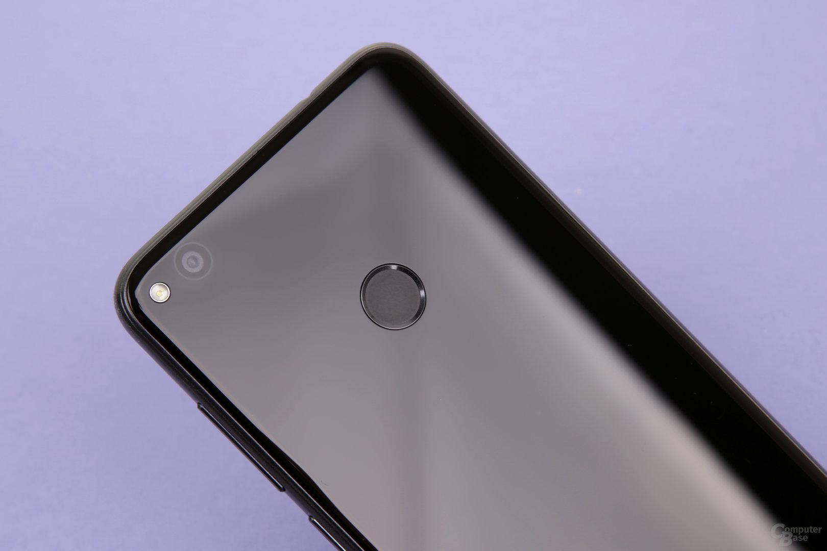 Huawei-typisch reagiert der Fingerabdrucksensor schnell und zuverlässig