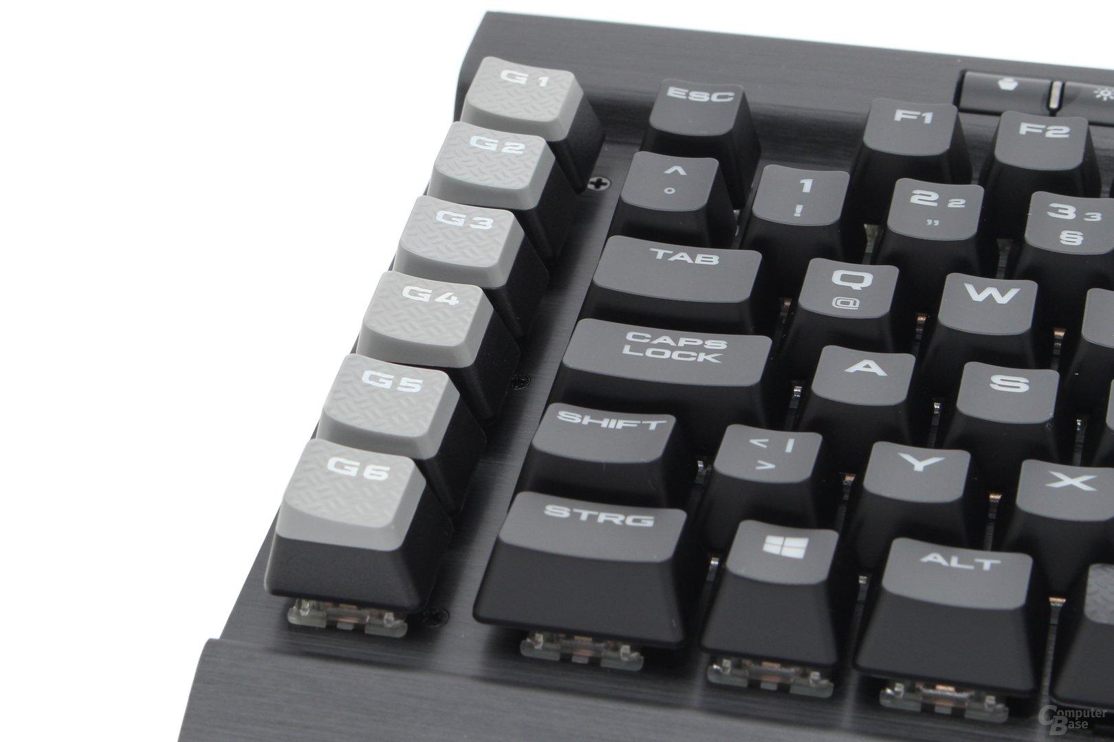 Die Tastenkappen der Makro-Taster sind dem Nutzer zugewandt