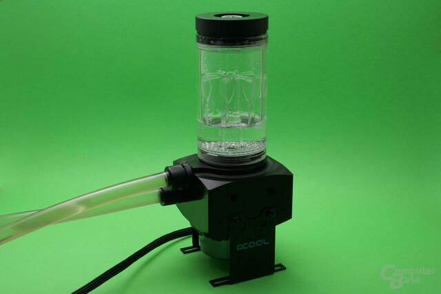 Alphacool Eisbecher D5: Wasserfalleffekt im Betrieb