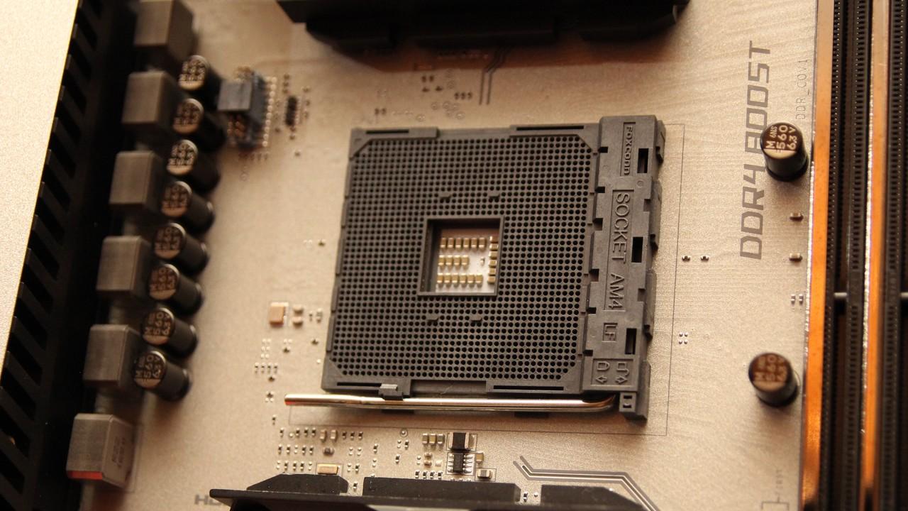 AM4: Erste Mainboards für AMD Ryzen ab Lager verfügbar