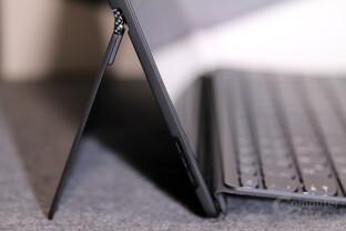 Die Tastatur des Miix 720 wird per Magnet angedockt