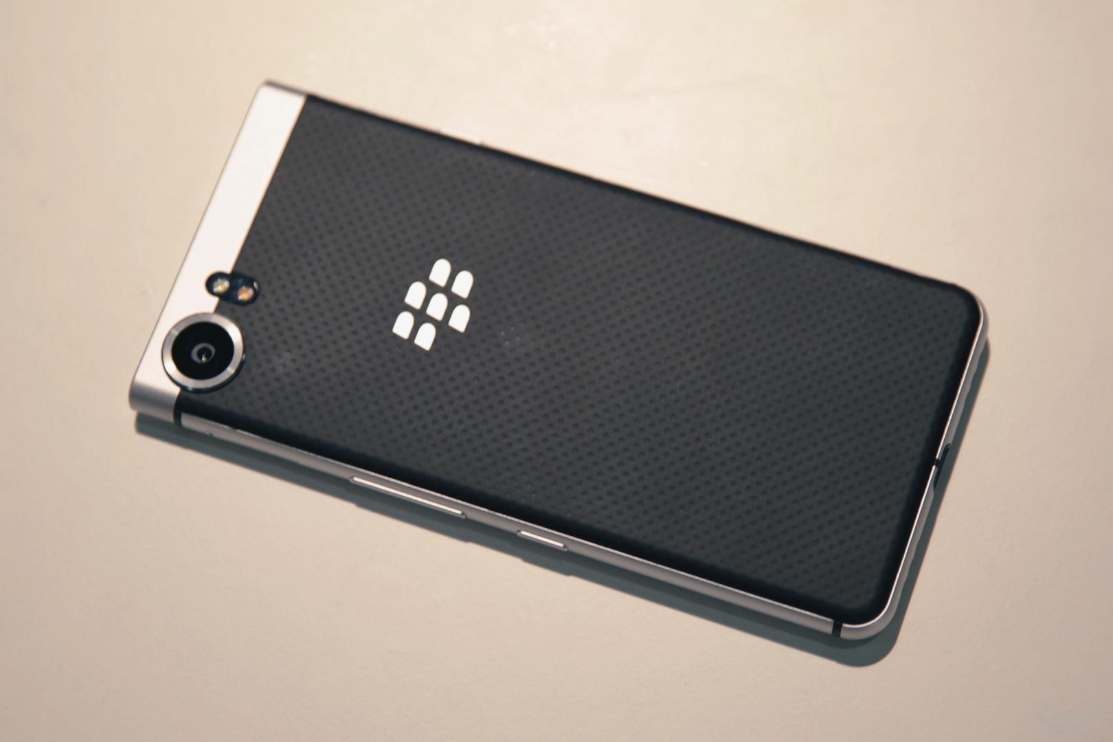 Rückseite des BlackBerry KeyOne