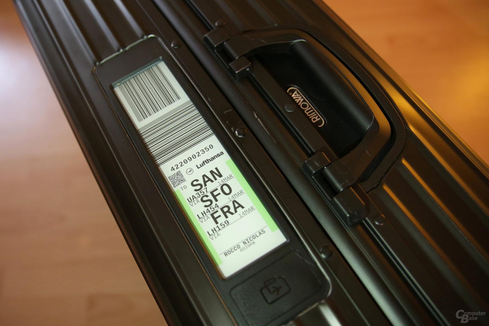 Rimowa Electronic Tag auf E-Ink-Display ersetzt das Bag Tag aus Papier