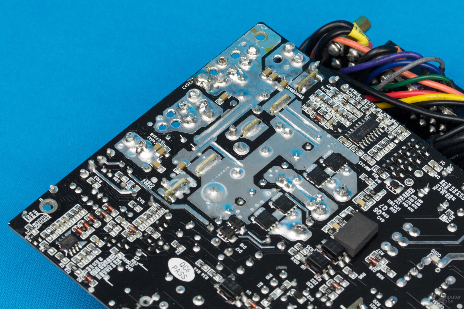 Enermax Platimax D.F. 500W – Lötqualität (Sekundärseite)