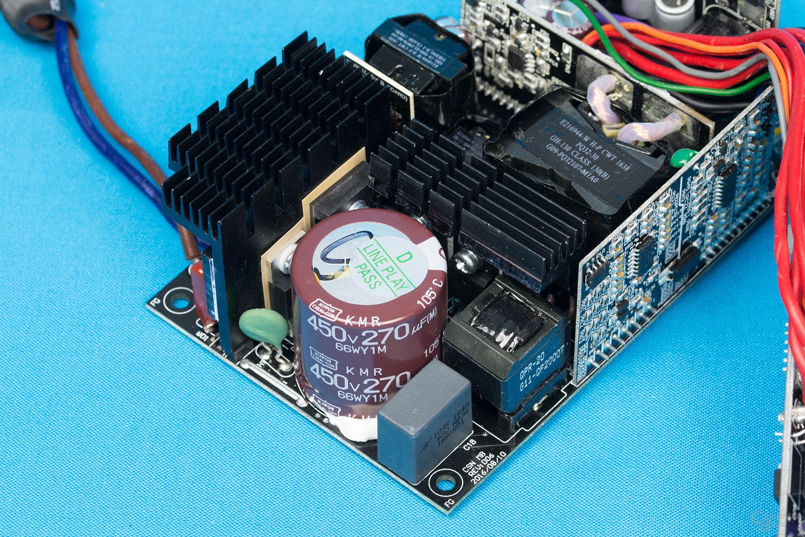 Enermax Revolution SFX 550W – APFC und LLC-Halbbrücken-Konverter