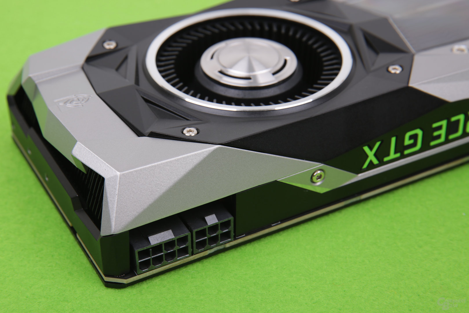 GeForce GTX 1080 Ti FE - Stromanschlüsse