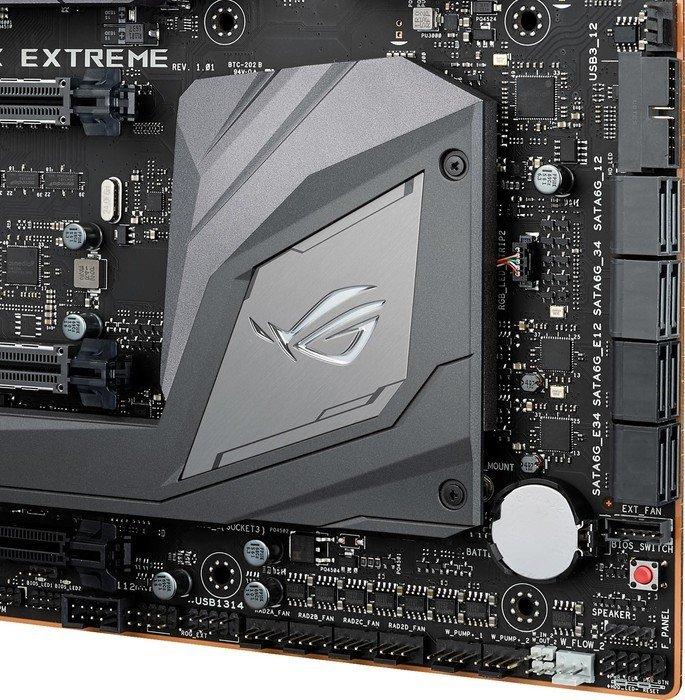 Asus ROG Maximus IX Extreme – Auf einen U.2-Port verzichtet Asus und setzt stattdessen auf SATA-Express