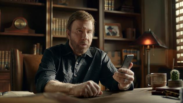 Nonstop Chuck Norris: Action-Ikone und Meme-Held prügelt auf Android und iOS
