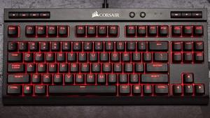 Corsair K63 Compact: Tenkeyless-Tastatur bleibt trotz Medientasten schlank