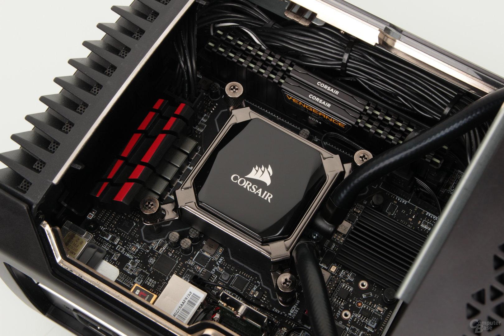 Mini-ITX-Mainboard und CPU-Kühler