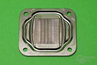 Aqua Computer Cuplex Kryos Next (Vario und Vision): Innenansicht der Bodenplatte
