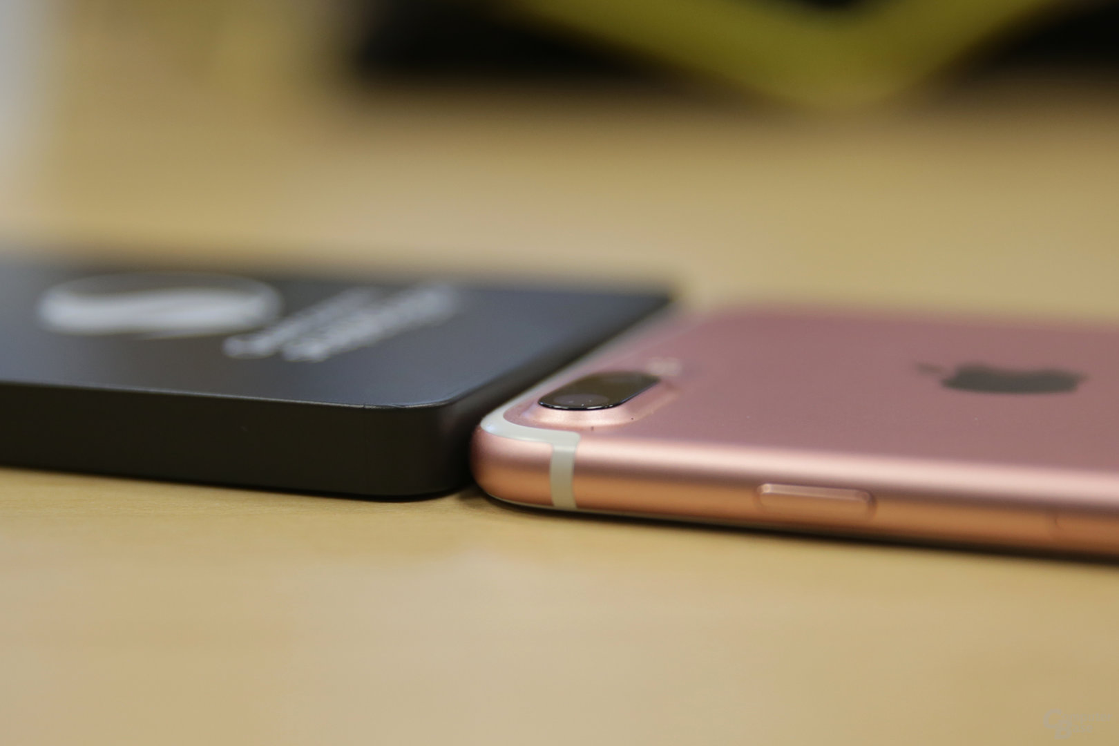 Die Snapdragon 835 QRD ist kaum dicker