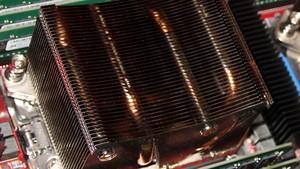 AMD Ryzen: 12-Kern-Variante begleitet 16-Kern-CPU im Desktop
