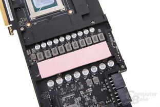 Die Stromversorgung mit zwei Mal 8-Pin PCIe