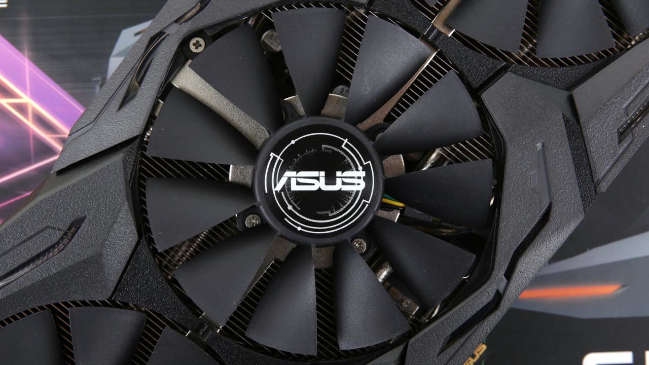 Asus GTX 1080 Ti Strix OC im Test: Mit neuem Kühler endlich schnell und leise