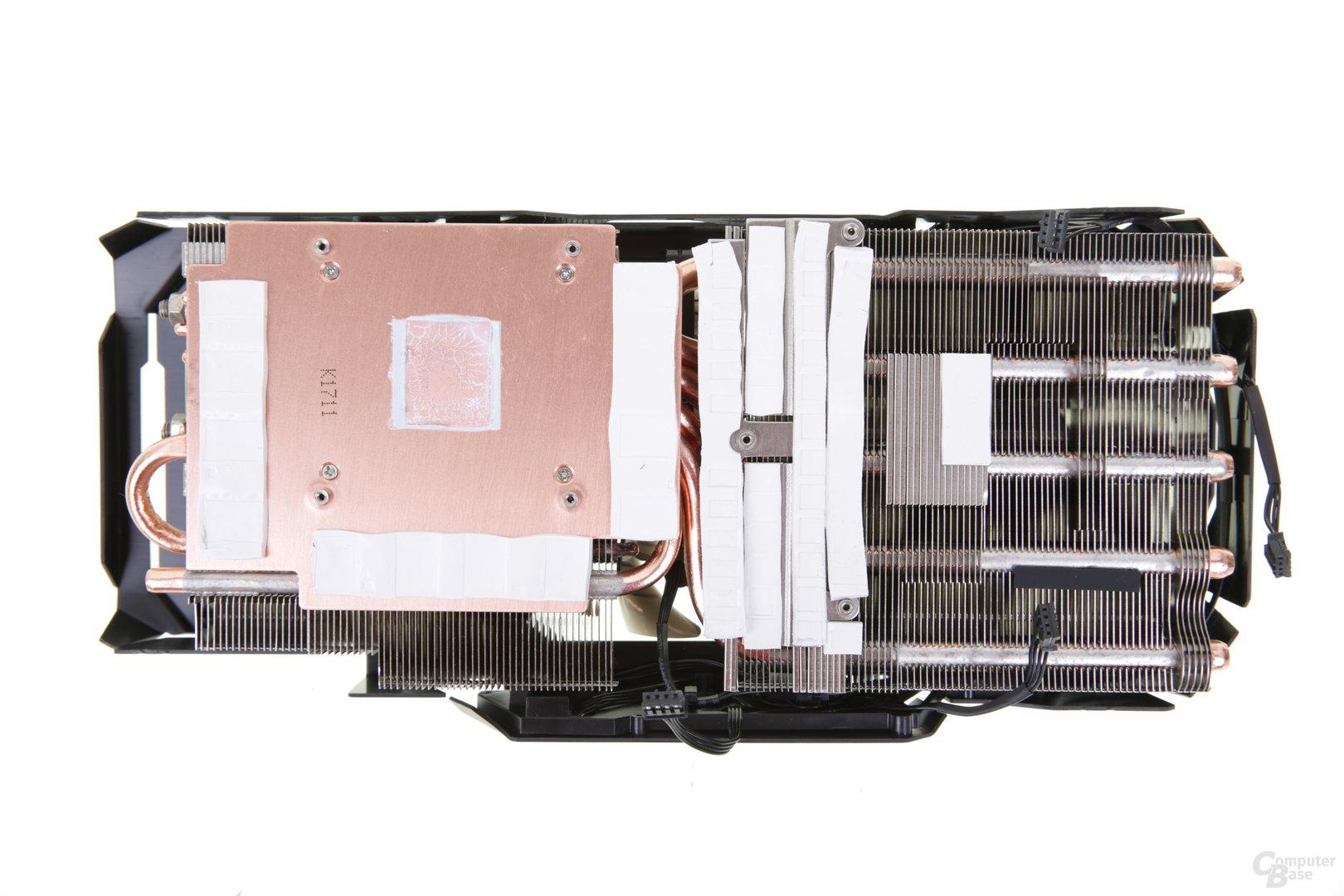 Massive Kupferbodenplatte für GPU und RAM