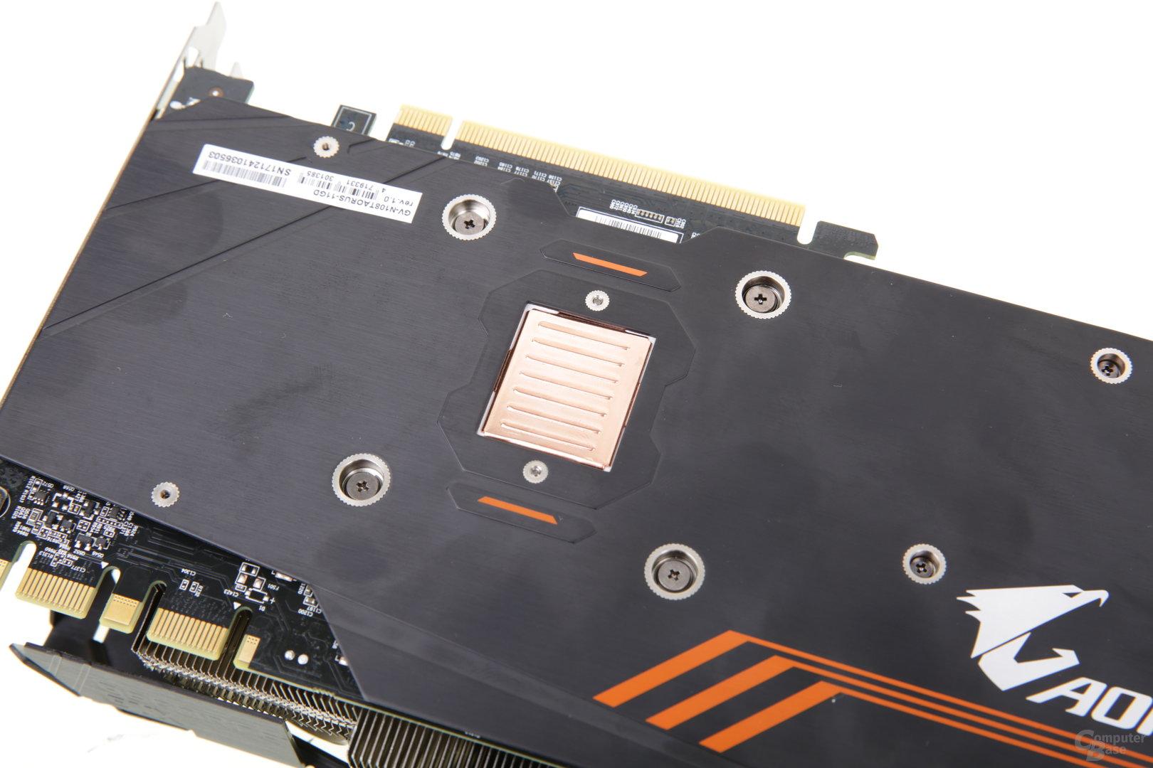 Backplate mit optisch ansprechender Kupfer-Abdeckung