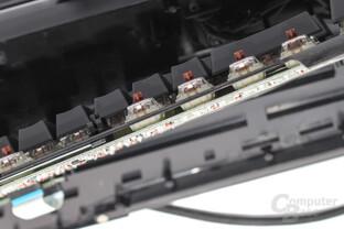 Mechanische Taster sollten auf einem PCB und auf einer Metallplatte befestigt sein