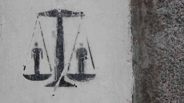 Bundesverfassungsgericht: Vorratsdatenspeicherung bleibt vorerst bestehen