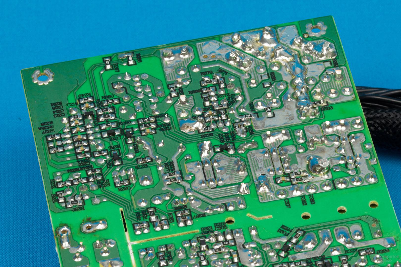 XFX XT500 (erste Revision) – Lötqualität (Sekundärseite)
