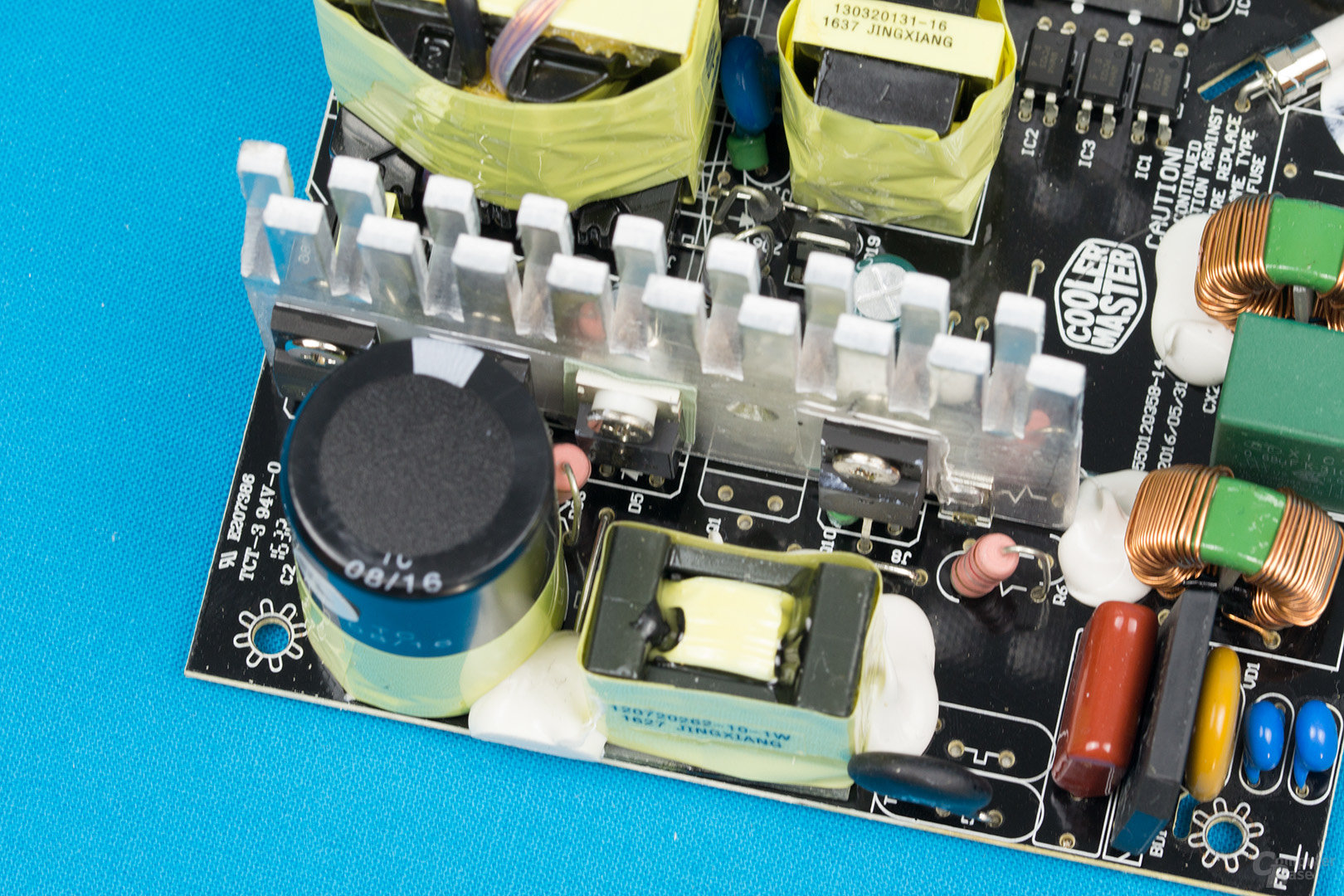 Cooler Master MasterWatt Lite 500W – APFC und Double-Forward-Konverter
