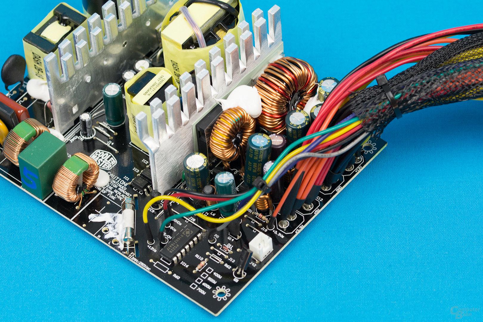 Cooler Master MasterWatt Lite 500W – Sekundärseite