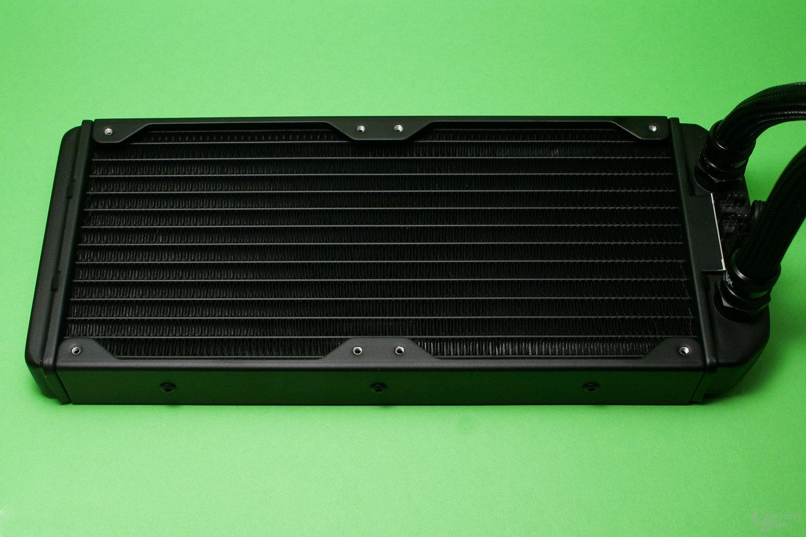 Fractal Design Celsius S24: 240er-Radiator mit einer Tiefe von 30 mm