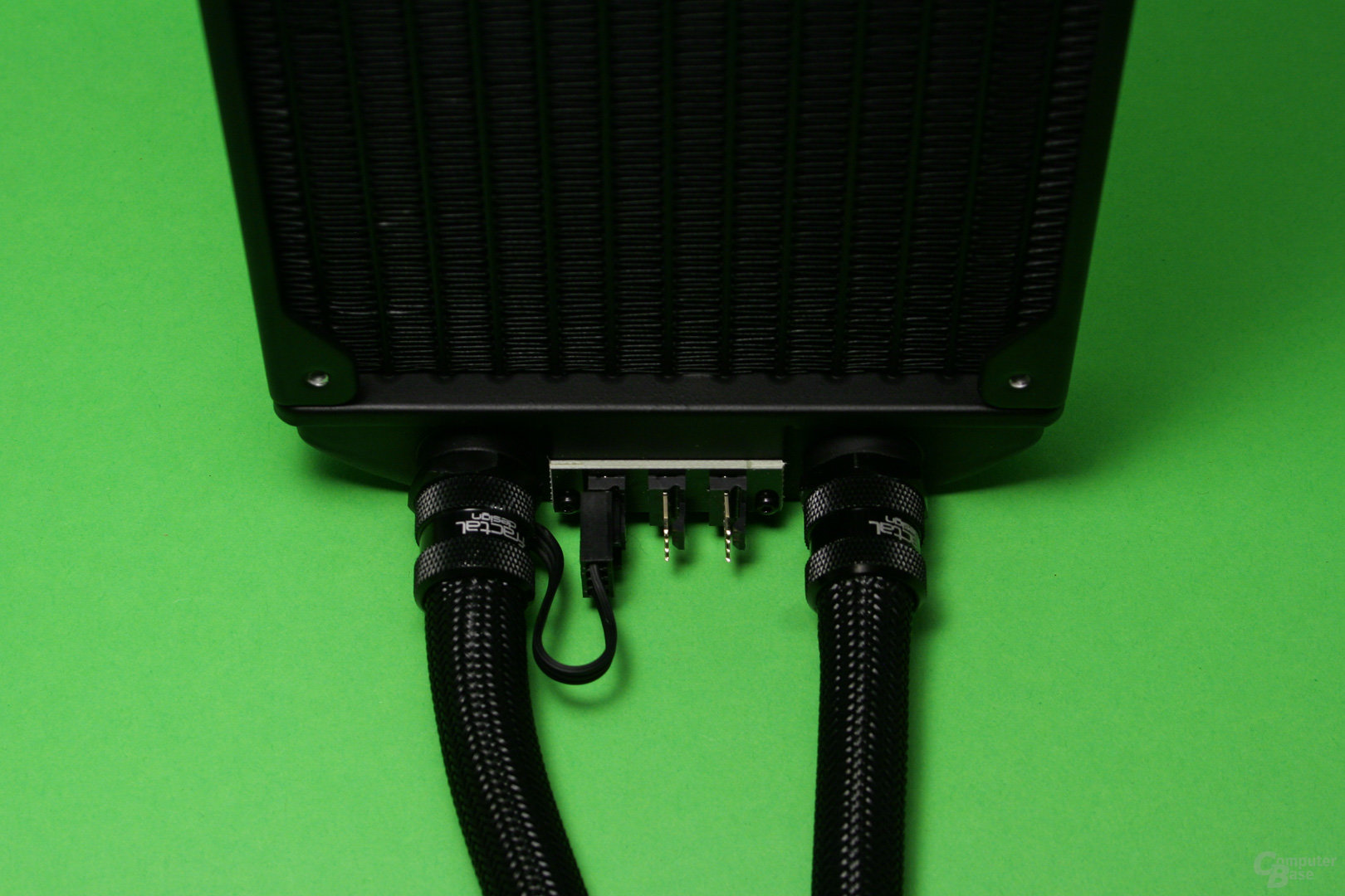 Fractal Design Celsius S24: Die Lüfter können direkt am Radiator angeschlossen werden