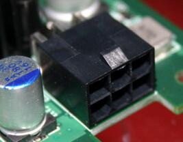 Stromanschluss NV45 | Quelle: Anandtech