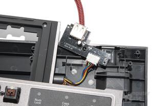 Der USB-Port wird lediglich durchgeschliffen