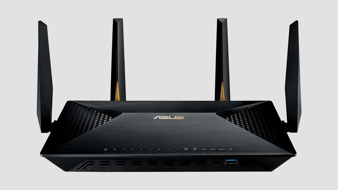 Asus BRT-AC828: WLAN-Router mit 2× WAN und 8× LAN ab Juni für 490 Euro