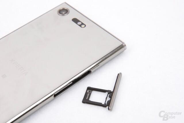 Wahlweise SIM und microSD oder Dual-SIM sind nutzbar