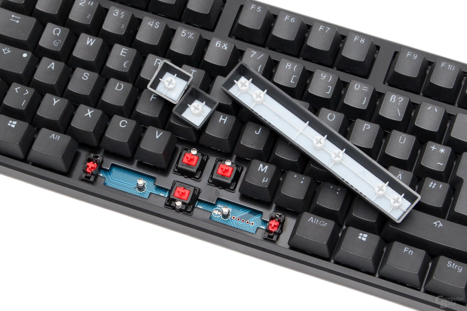 "Cherry MX Red mit ""Cherry""-Stabilisatoren"