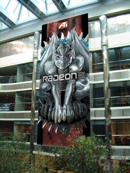 Radeon 9800-Banner im ATi Hauptquartier