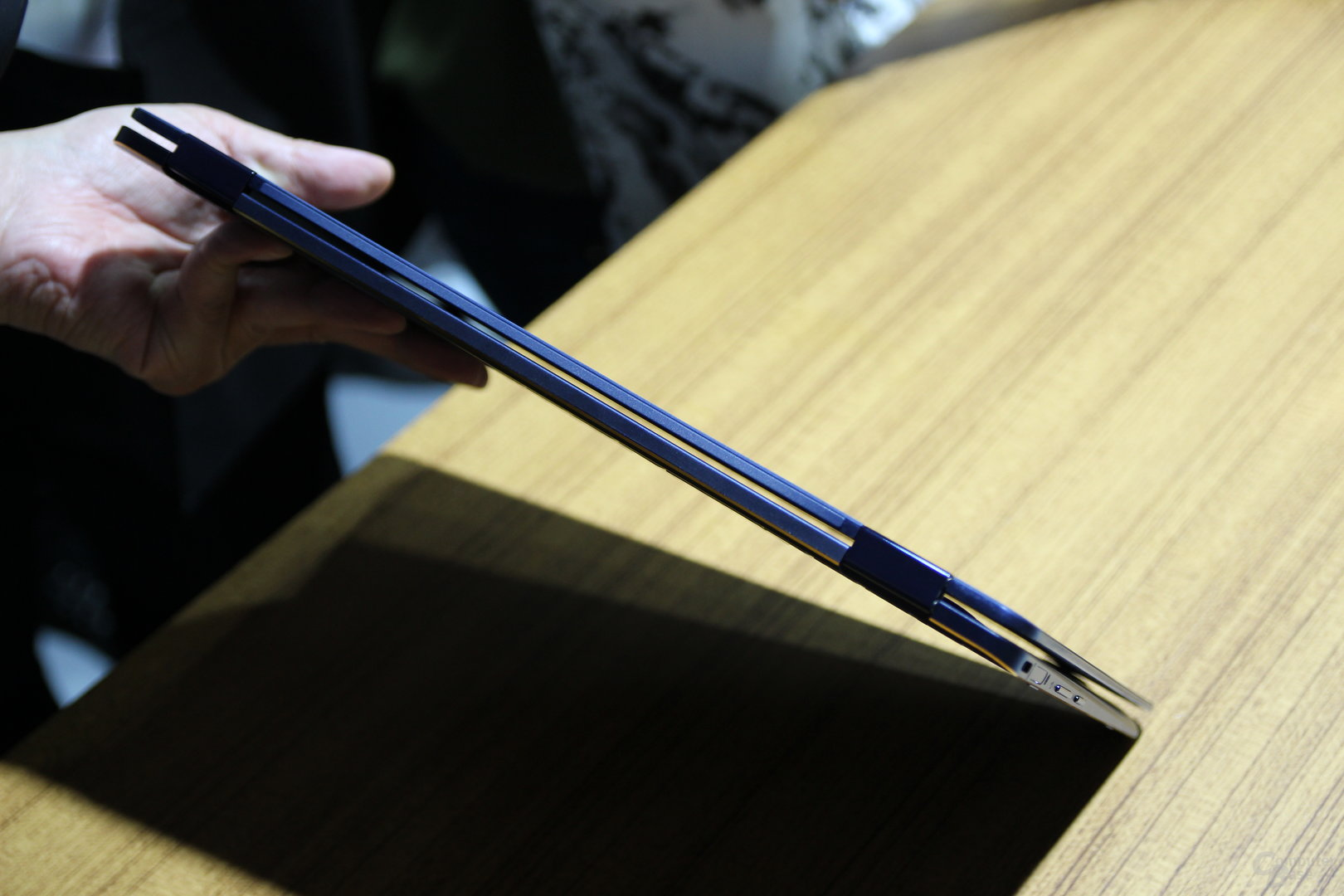 Asus ZenBook Flip S
