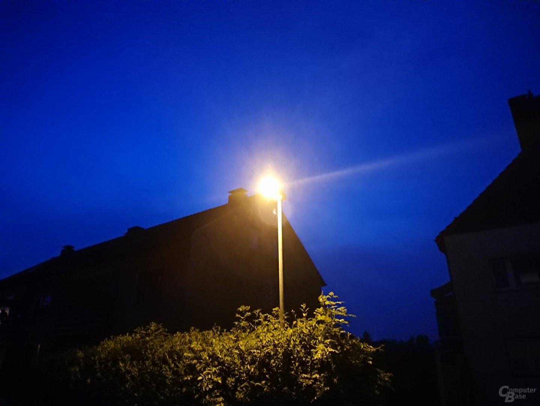 Sony Xperia XZ Premium im Test – Nacht mit Blitz