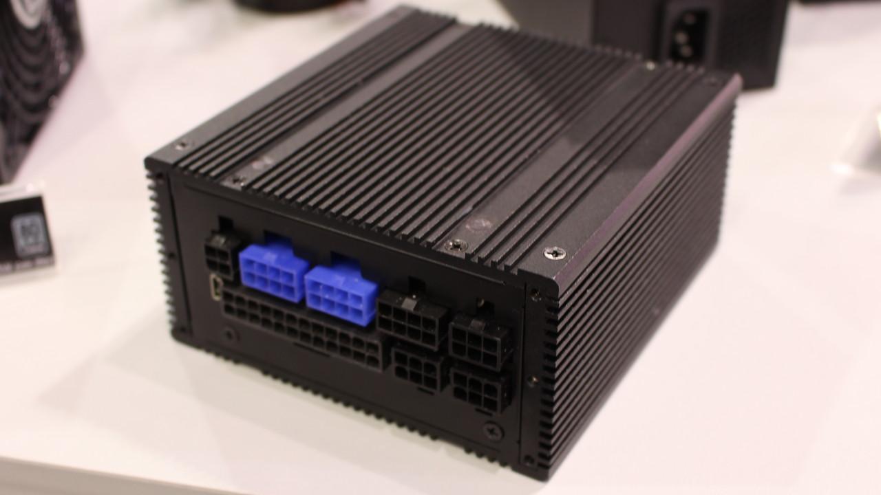 Silverstone: ATX mit 646 Watt pro Liter und passive SFX-Netzteil