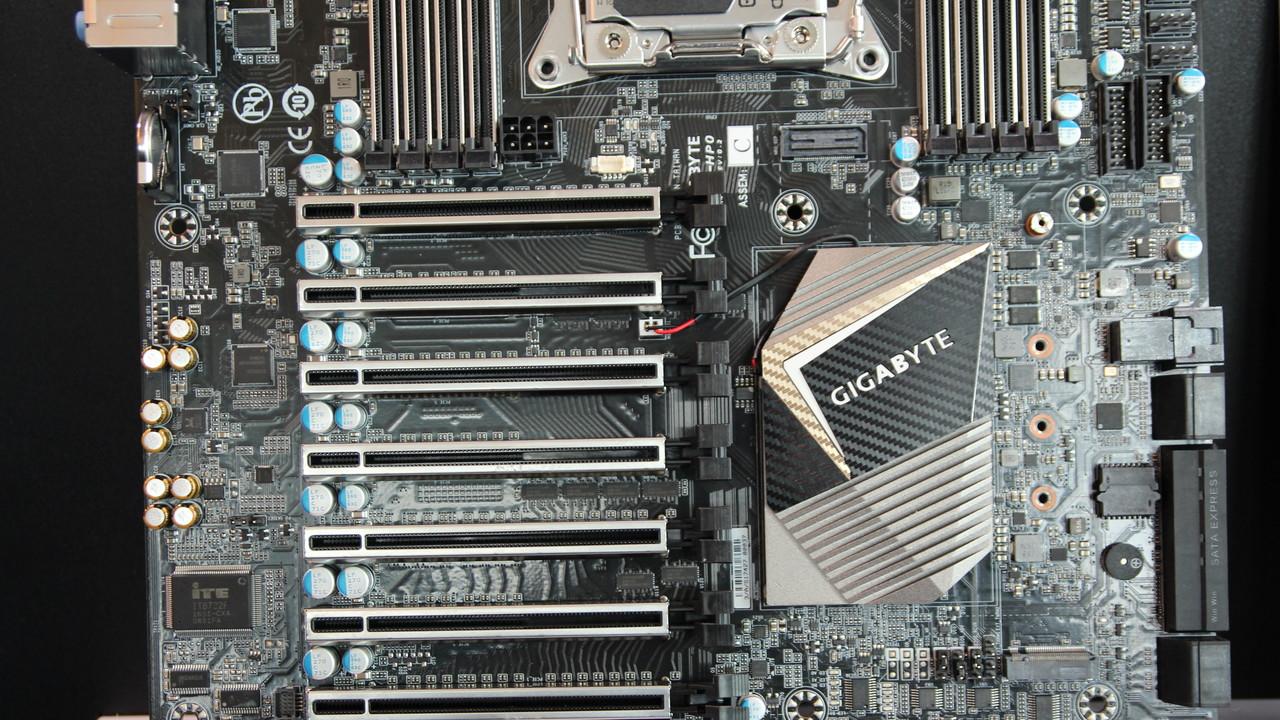 Gigabyte GA-C422-WS: Mainboard mit C422-Chipsatz ist für den Server-Core-X