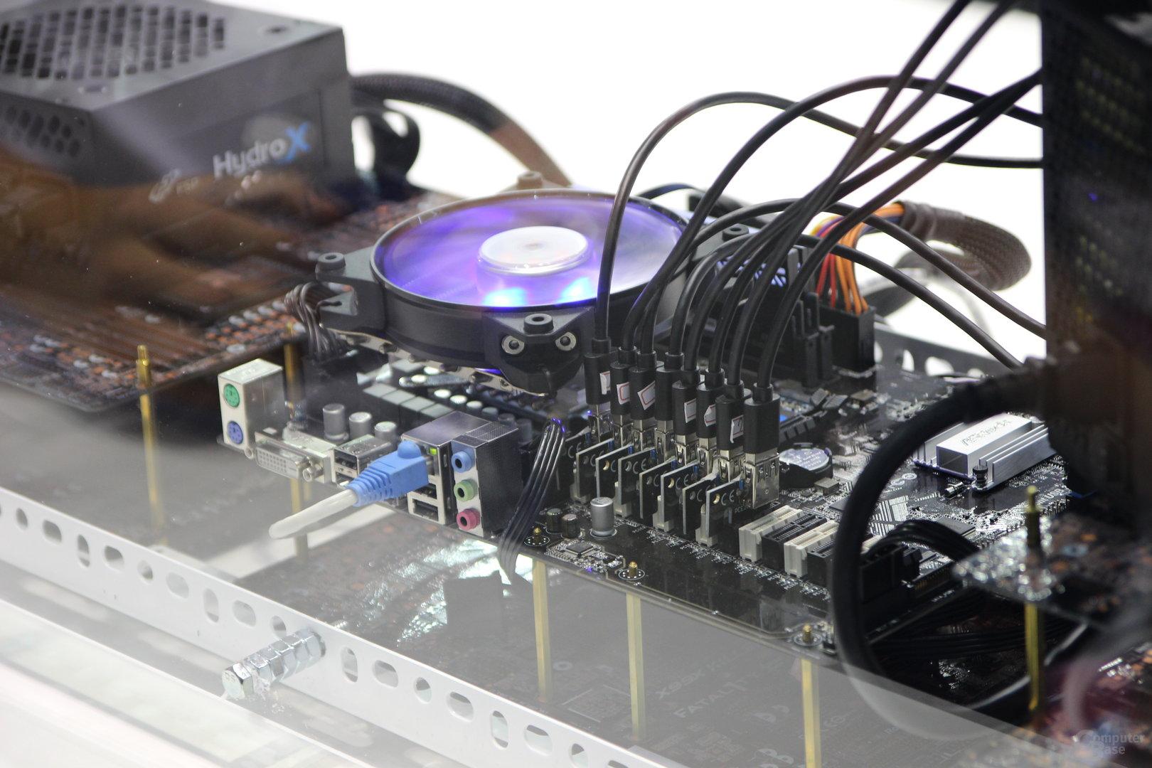 Demo-Mining-System von ASRock