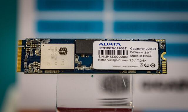 Adata IM2P33E8 mit SM2262