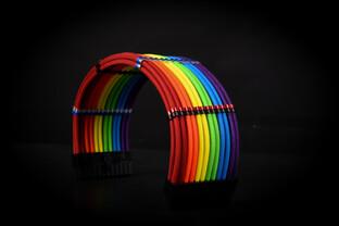 Alphacool Premium Sleeve und Eiskamm: Paracord-Sleeves und Aluminium-Kabelkämme