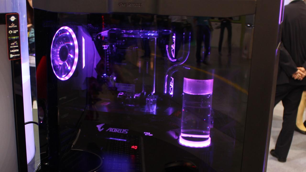 Enermax: RGB-, Silent- und Budget-Gehäuse & Netzteile