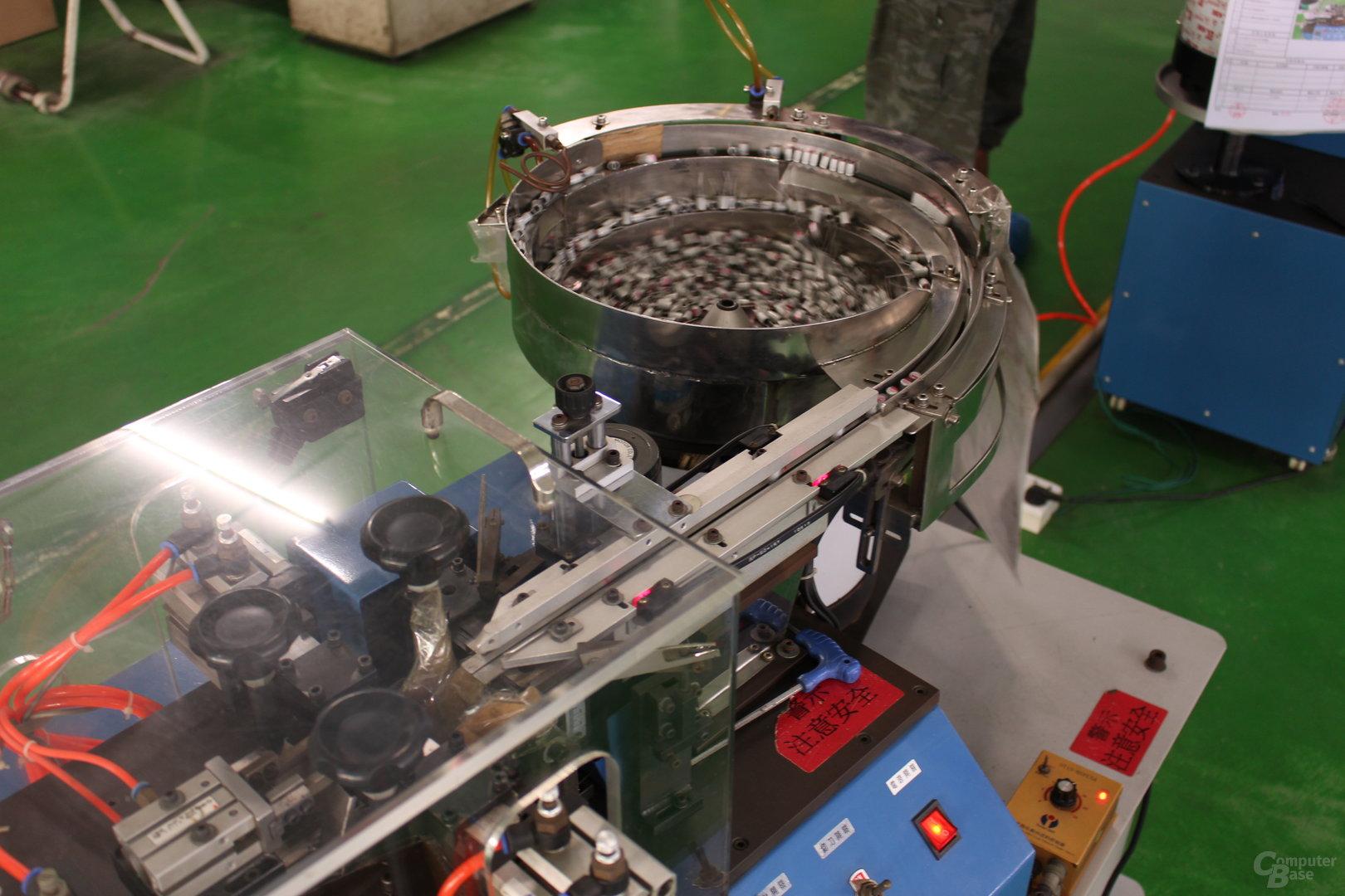 Maschine zur Vorbereitung von Kondensatoren