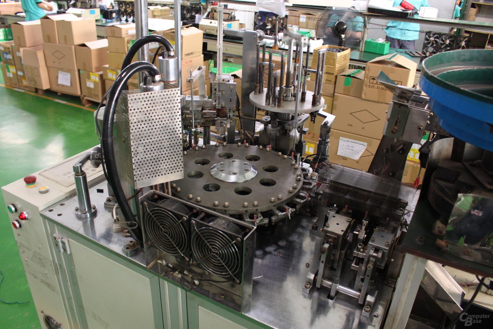 Maschine zur Vorbereitung von THT-Widerständen