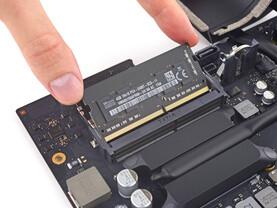 "iMac Intel 21.5"" Retina 4K Display 2017 Teardown"